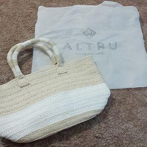 Brand new straw bag